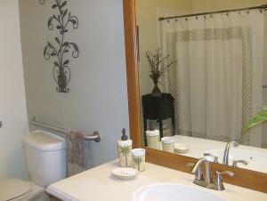 0064 Master Bathroom