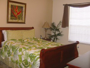 0072 Queen Bedroom