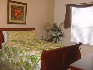 0072 Queen Bedroom