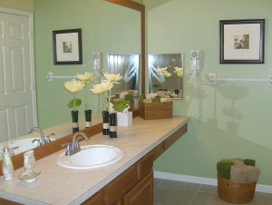 0094 Shared Bathroom